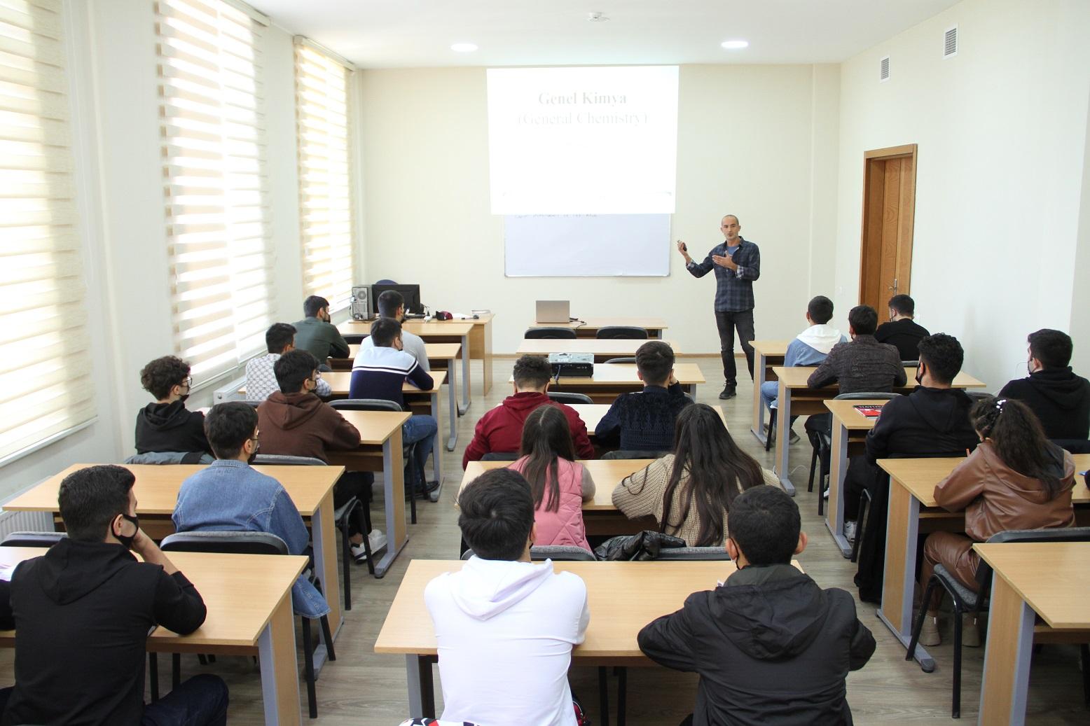 Ege Universitetinin əməkdaşları Aqrar Universitetdə tədrisi davam etdirir