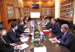 Подписан меморандум о сотрудничестве между ADAU и Сегедским университетом.